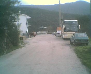 Largo do Outeiro e autocarro da excursão ao Monte Frio, na Sexta-feira, 1 de Dezembro de 2006