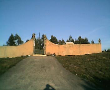 Entrada do cemitério no Sábado, 1 de Janeiro de 2005