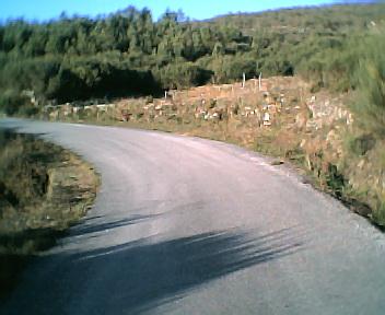 Curva da estrada no Seixal no Sábado, 1 de Janeiro de 2005