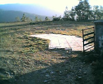 Lugar da antiga escola do Monte Frio no Sábado, 1 de Janeiro de 2005