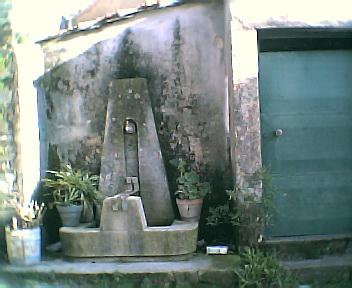 Fontanário do Santo no Sábado, 1 de Janeiro de 2005