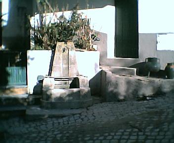 Fontanário da subida para a Eira no Sábado, 1 de Janeiro de 2005
