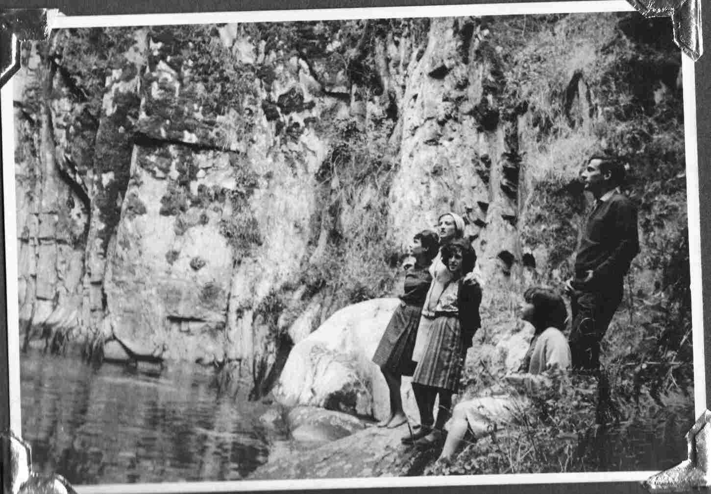 Antiga juventude montefriense na Fraga da Pena no séc. XX