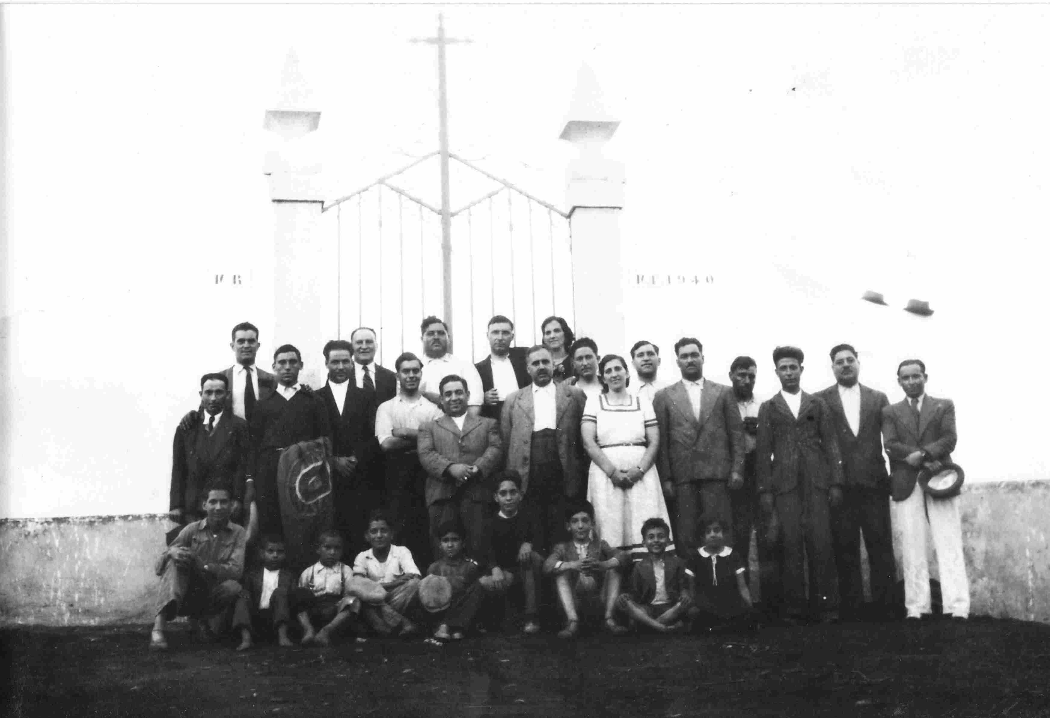 Inauguração do Cemitério de Monte Frio em 1940