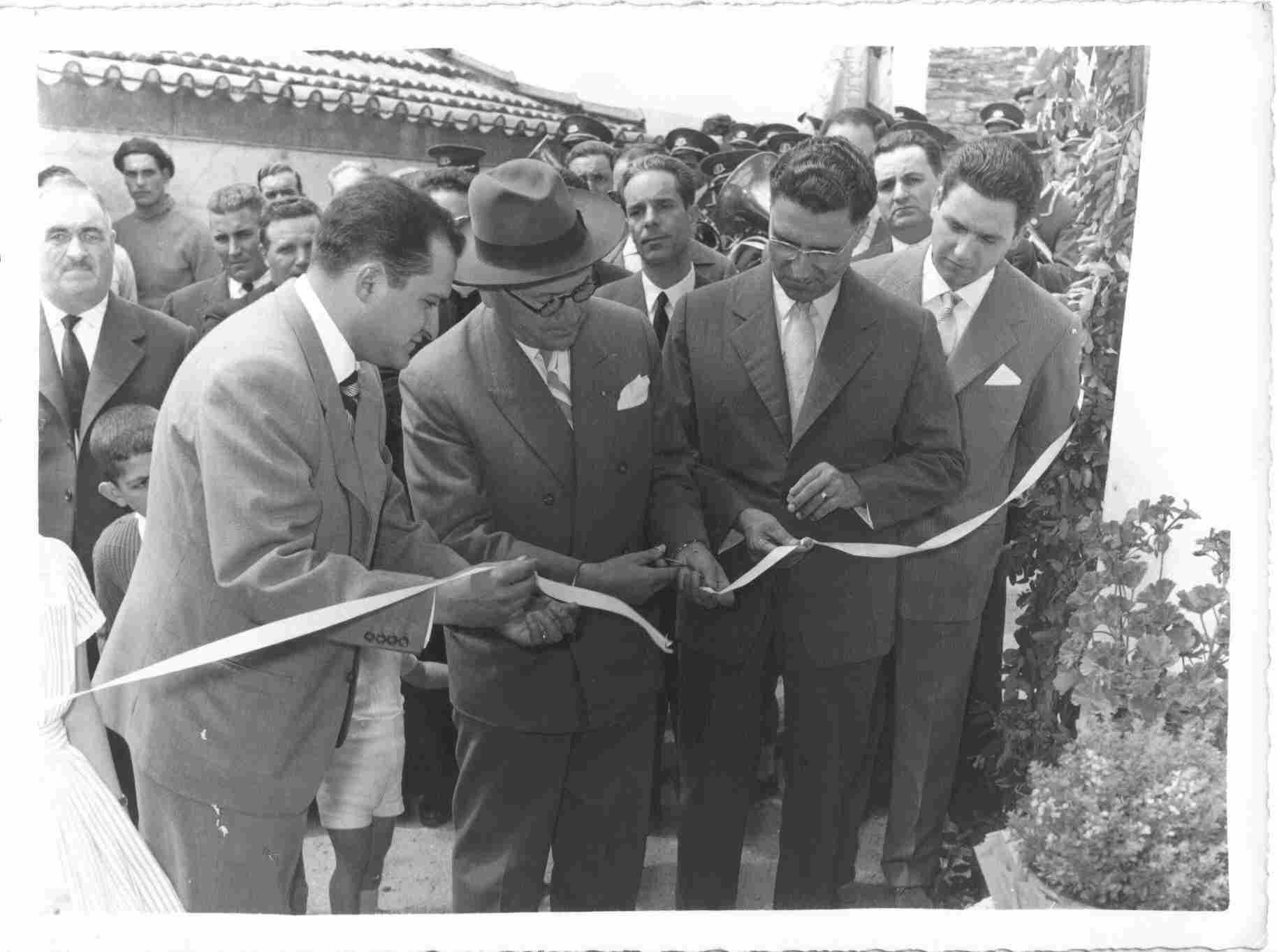 Inauguração dos chafarizes na Sexta-feira, 12 de Agosto de 1960