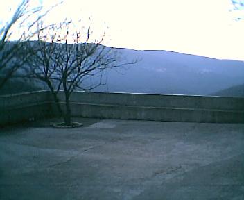 Largo da Capela visto de este para oeste na 6ªfeira, 31 de Dezembro de 2004