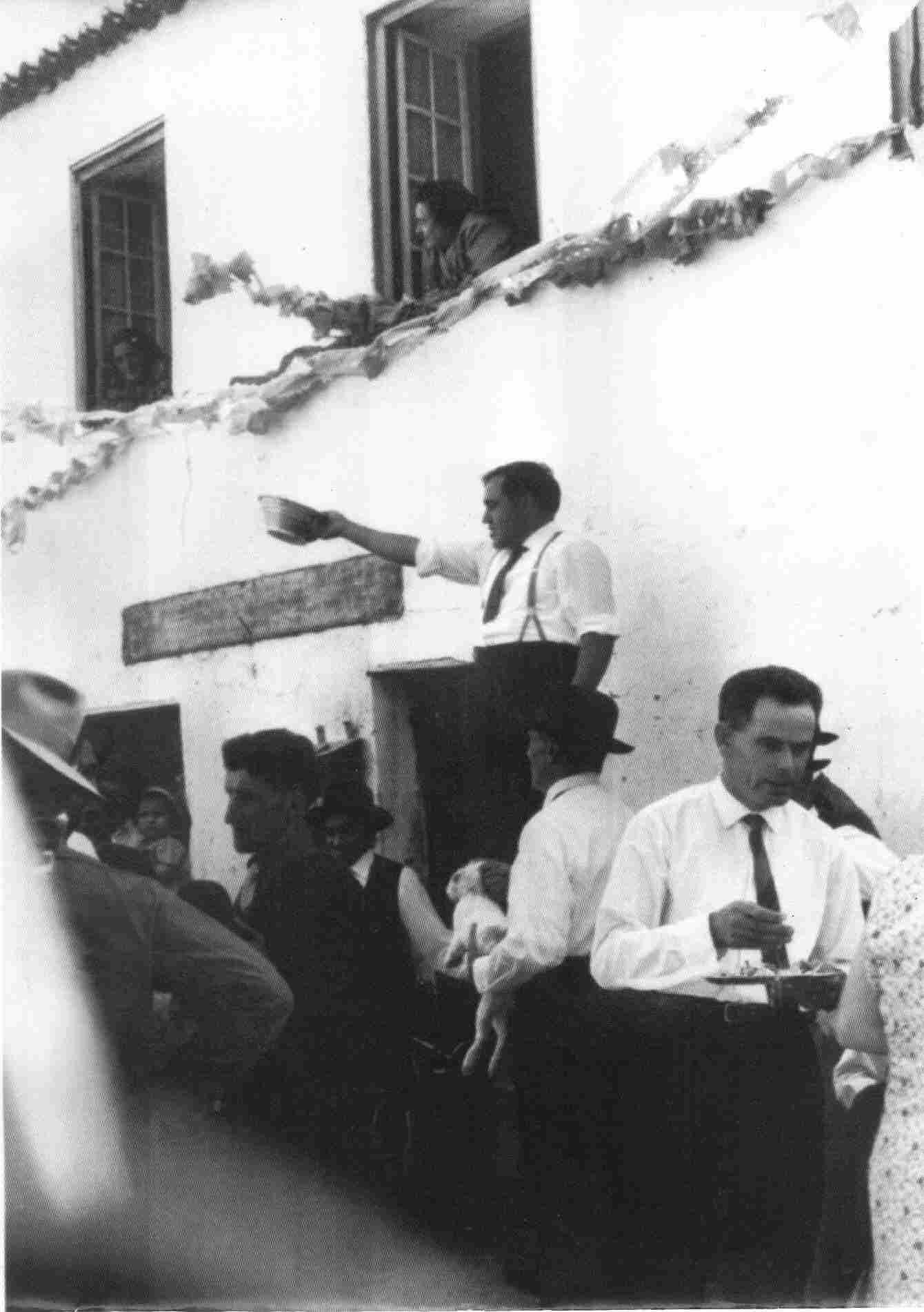 Leilão das ofertas da festa em 1966