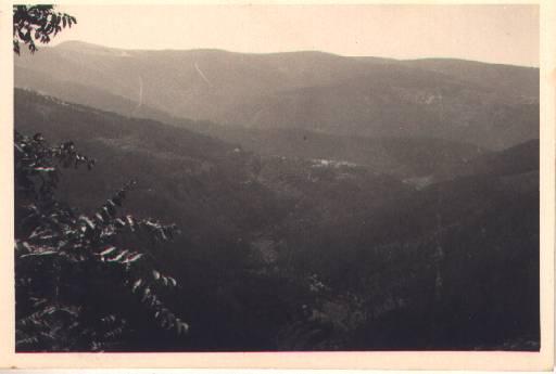 Antiga paisagem geral do vale da Benfeita a partir do Outeiro no Monte Frio no séc. XX