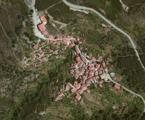 Vista aérea do Monte Frio em 2013