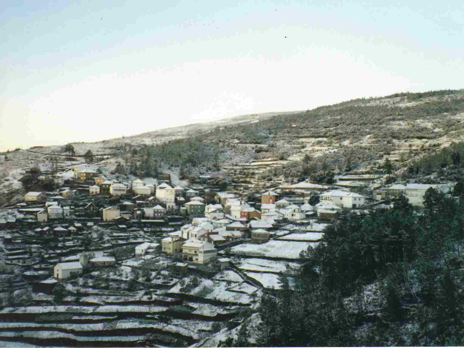 Monte Frio com neve no Domingo, 17 de Janeiro de 1999