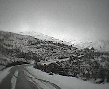 Estrada para o Porto da Balsa e montes ao pé dos Parrozelos vistos de norte para sul no Domingo, 30 de Novembro de 2008