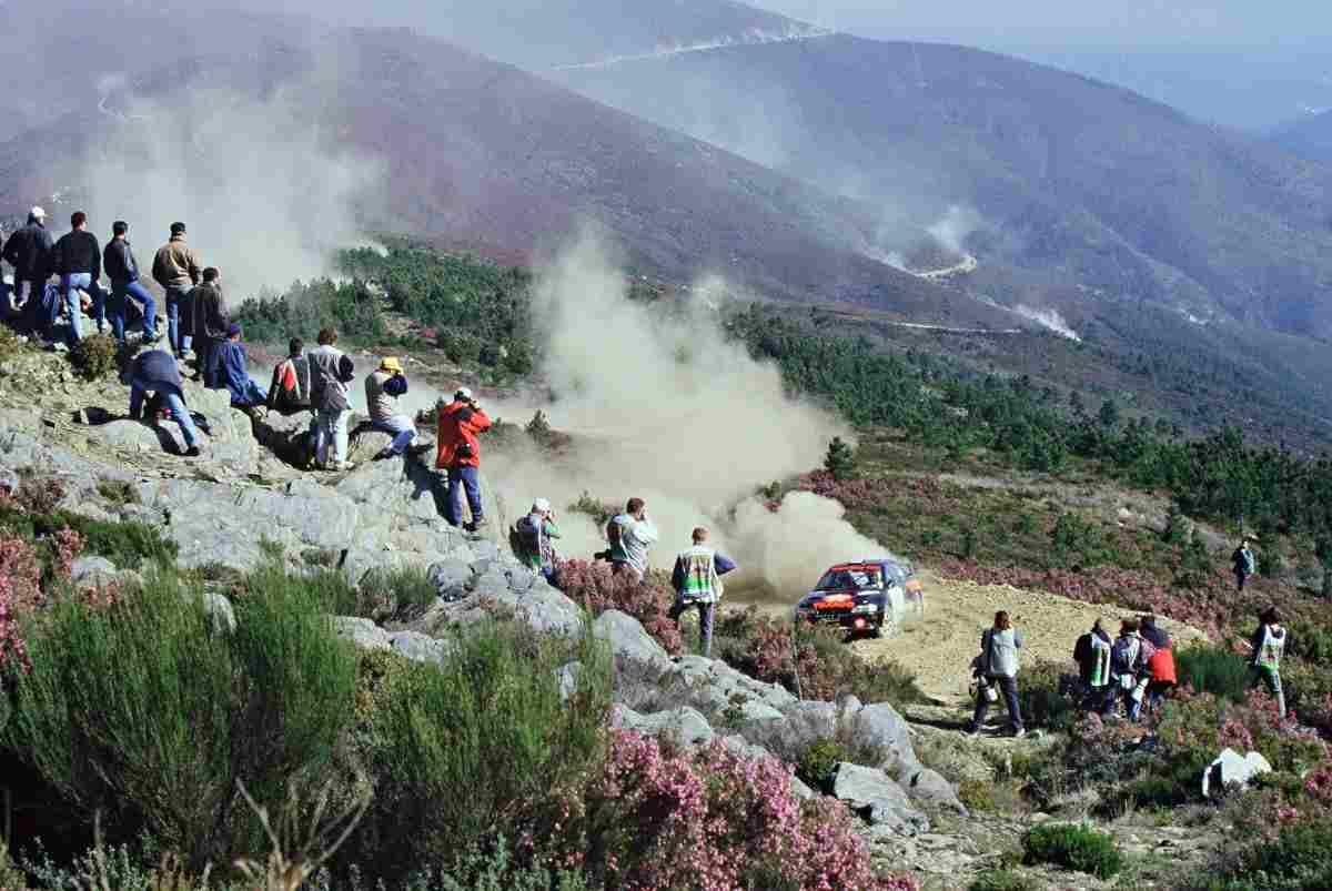 Rali de Portugal 2000 - Troço do Piódão - Excelente paisagem da Serra do Açor. Foto: Luís Mimoso. Fonte: http://autosport.clix.pt/