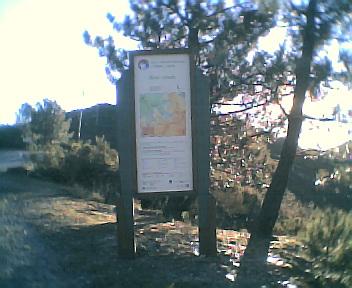 Placa na E.N. 344 na entrada na Área de Paisagem Protegida da Serra do Açor vista de este para oeste na Segunda-feira, 12 de Dezembro de 2005