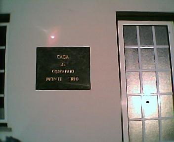 Placa da Casa da Comissão de Melhoramentos de Monte Frio na 6ªfeira, 31 de Dezembro de 2004