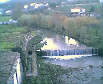 Ribeira da Benfeita junto à ponte em Côja na Sexta-feira, 9 de Dezembro de 2005