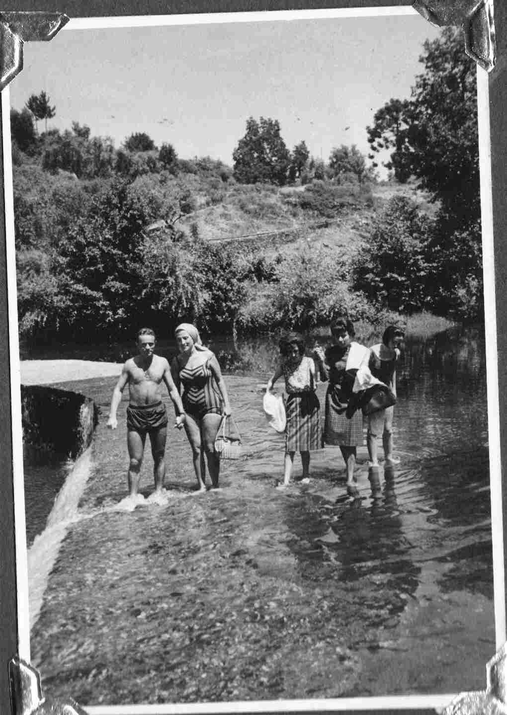 Antiga juventude montefriense no Caneiro de Côja do Rio Alva no séc. XX