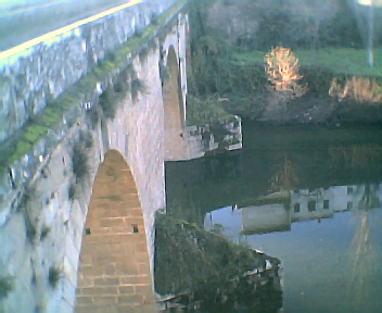 Rio Alva junto à ponte romana em Côja na Sexta-feira, 9 de Dezembro de 2005