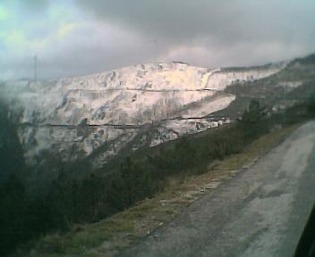 Neve na Serra do Açor a partir da estrada que vai para o Piódão, no Domingo, 26 de Fevereiro de 2006