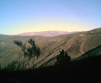 Encosta oeste da Serra da Estrela a partir da estrada que vai para o Piódão, no Sábado, 10 de Dezembro de 2005