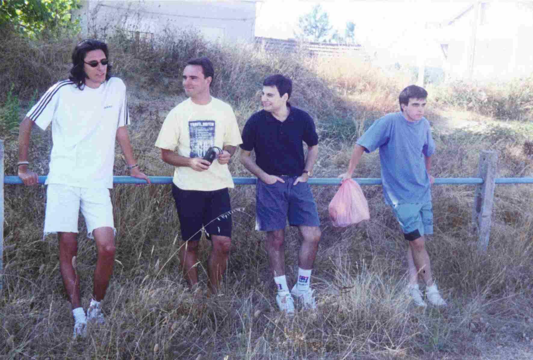 Antes do jogo Solteiros Casados 1996 no Campo da Carriça em Côja