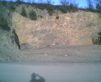 Terraplanagem do difícil terreno para a ampliação do Centro de Convívio e a construção de uma zona de lazer, na Segunda-feira, 13 de Março de 2006
